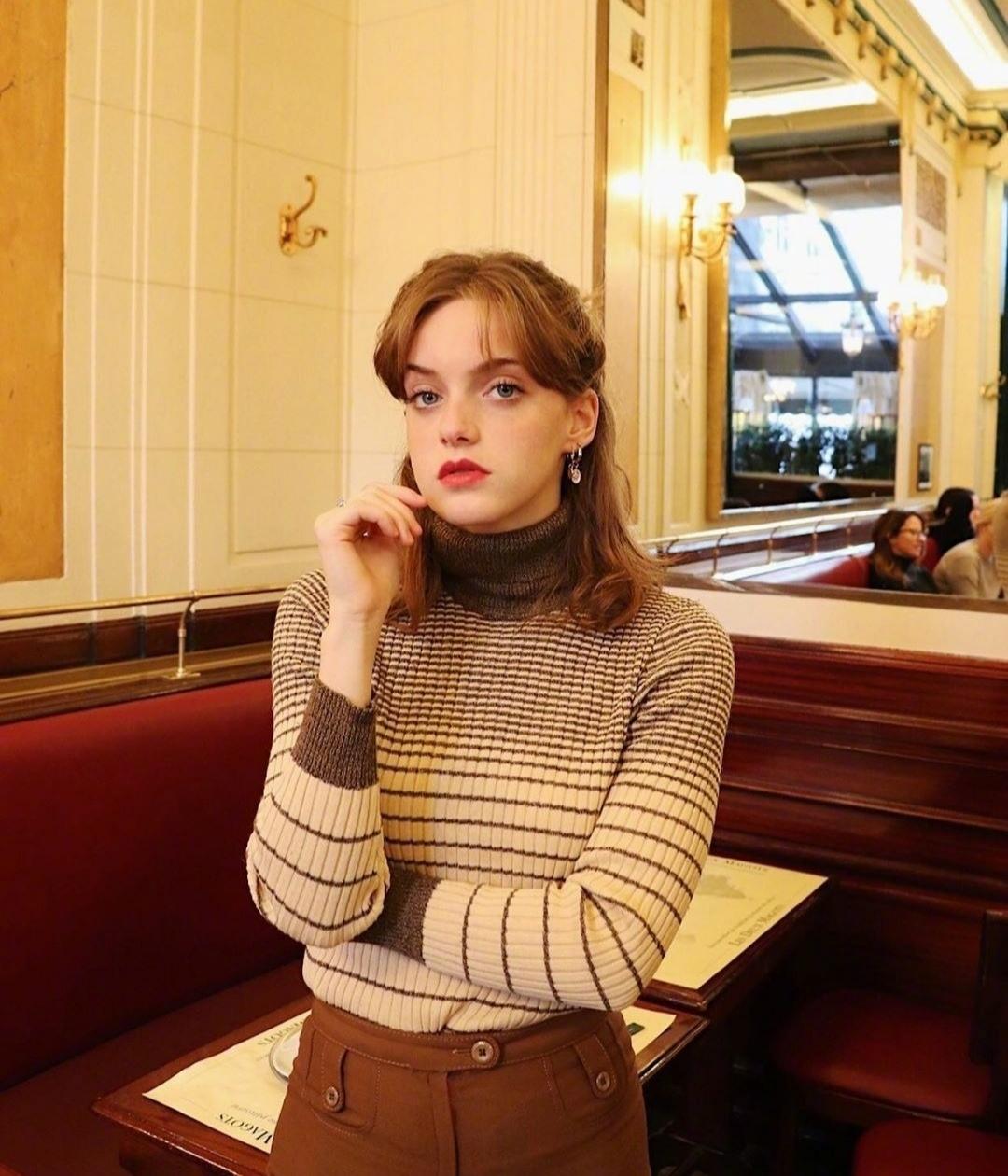 3 kiểu áo len phụ nữ Pháp hay diện nhất mùa lạnh, muốn thăng hạng style thì bạn phải update ngay - Ảnh 5.