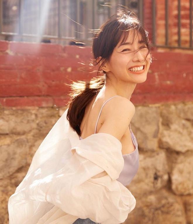 """""""Bản sao của Hải Lan """"Như Ý Truyện"""": Mỹ nhân 33 tuổi có gương mặt đẹp nhất Nhật Bản hé lộ """"hầu bao""""  66 triệu cho mỹ phẩm/tháng, - Ảnh 3."""