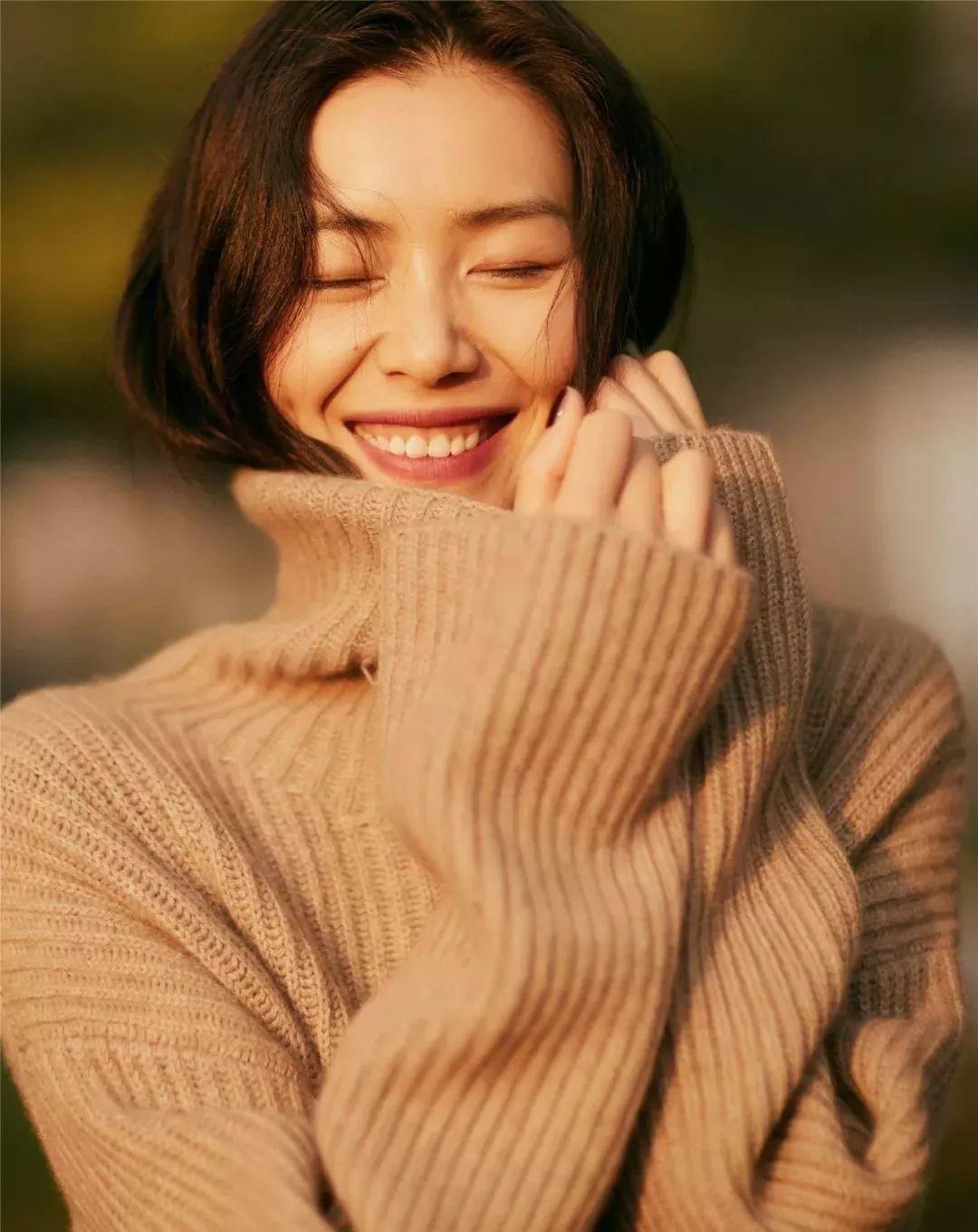 5 món trang phục màu trà sữa biến style thành siêu cấp sang trọng chỉ trong nháy mắt - Ảnh 3.