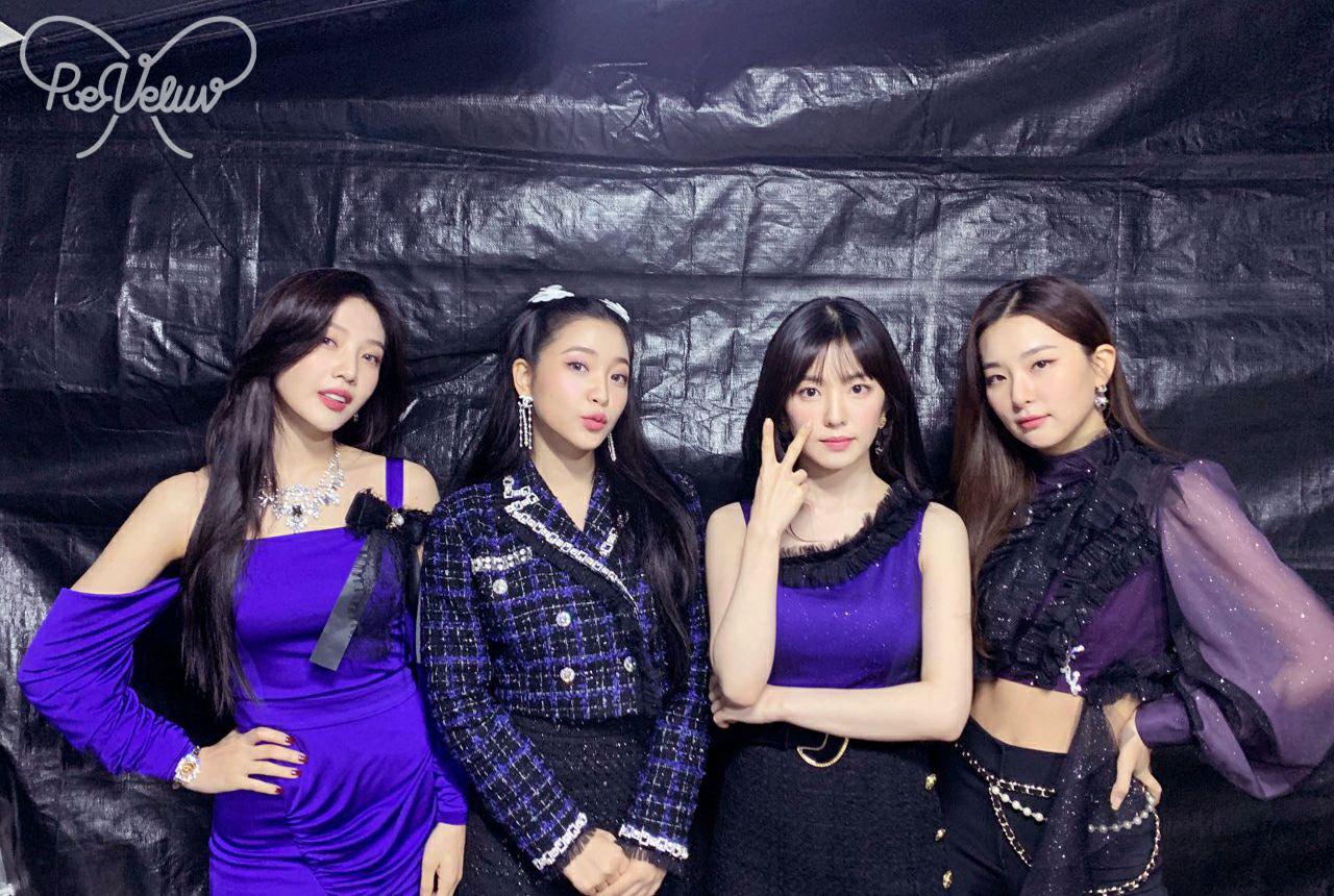 Vẫn vướng nghiệp mặc xấu, Red Velvet khiến fan kêu trời: Đây là thảm họa thời trang từ 10 năm trước bớ làng nước ơi! - Ảnh 1.