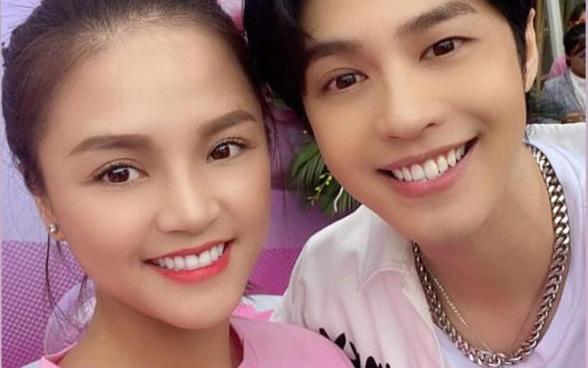 """Lần đầu chụp ảnh với trai đẹp Noo Phước Thịnh, Thu Quỳnh tự nhận mình là """"bà cô"""" của nam ca sĩ dù bằng tuổi"""