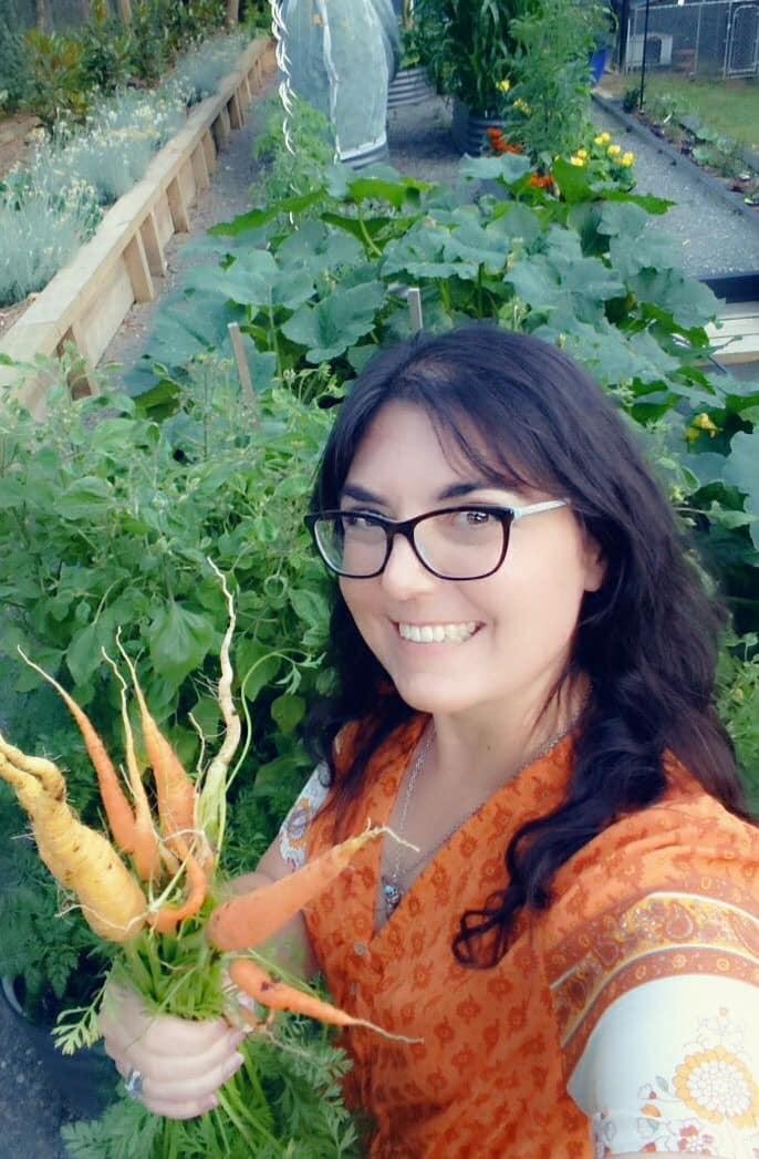 """Khu vườn 2800m2 quanh năm ngập tràn rau quả của người phụ nữ được mệnh danh là người """"nghiện cây"""" - Ảnh 5."""