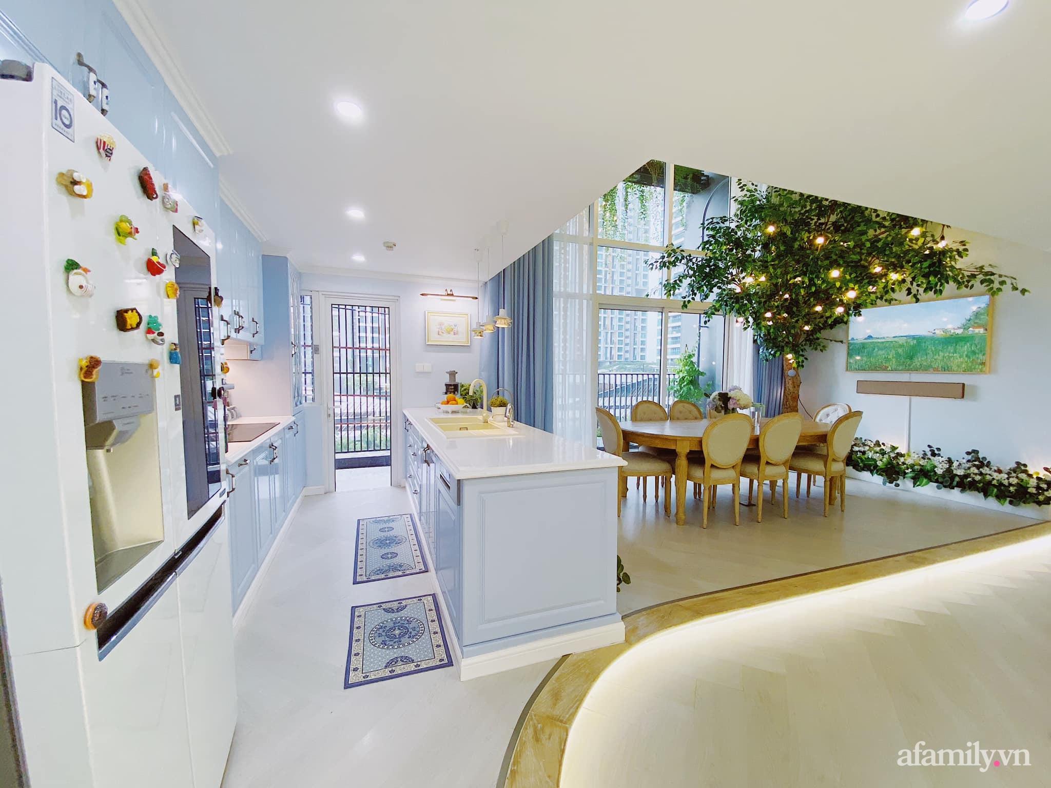 Căn bếp màu xanh yên bình, sang trọng với đủ thiết bị hiện đại của mẹ trẻ xinh đẹp Sài Thành - Ảnh 1.