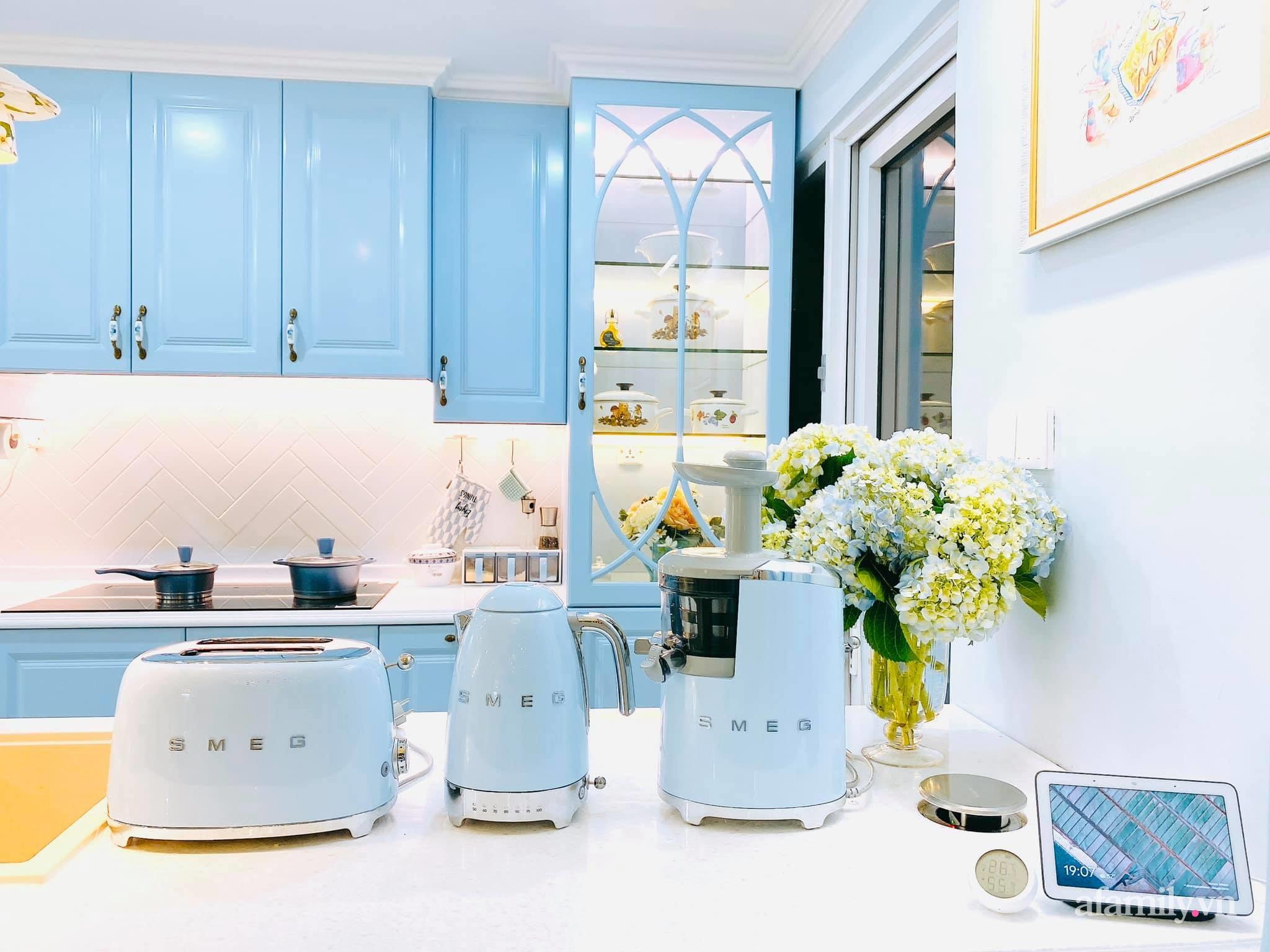 Căn bếp màu xanh yên bình, sang trọng với đủ thiết bị hiện đại của mẹ trẻ xinh đẹp Sài Thành - Ảnh 8.