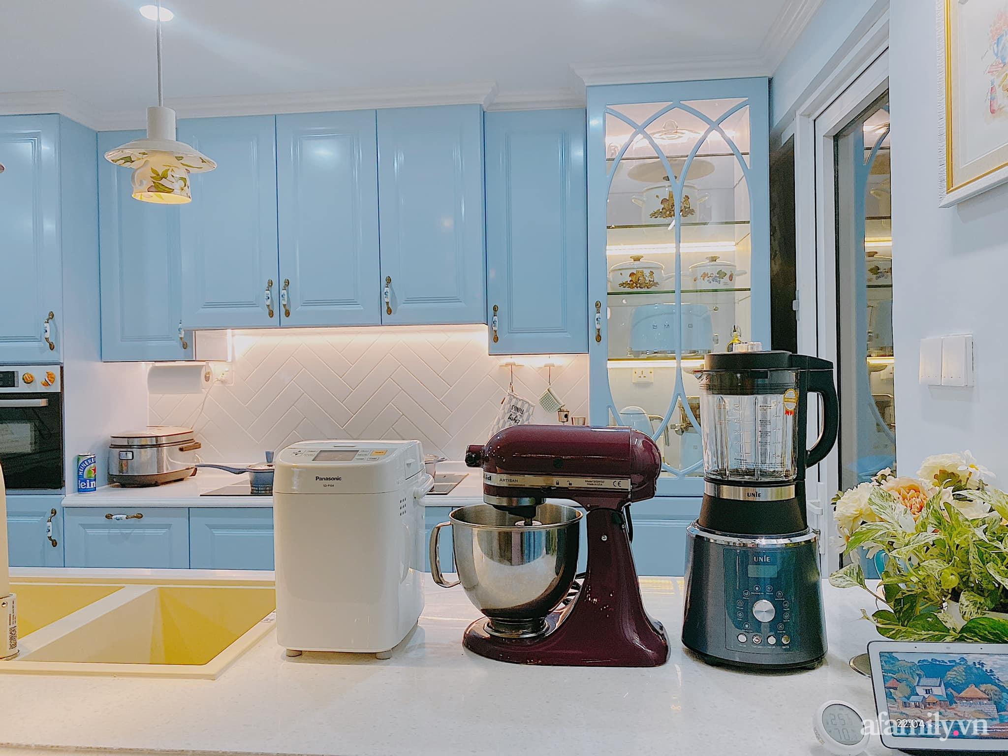 Căn bếp màu xanh yên bình, sang trọng với đủ thiết bị hiện đại của mẹ trẻ xinh đẹp Sài Thành - Ảnh 6.