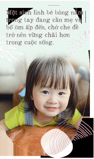 """Vợ chồng cùng là diễn viên, hot mom Tú Vi hạnh phúc tiết lộ tiềm năng đặc biệt đúng chuẩn """"con nhà nòi"""" của công chúa nhỏ dù mới hơn 2 tuổi - Ảnh 2."""