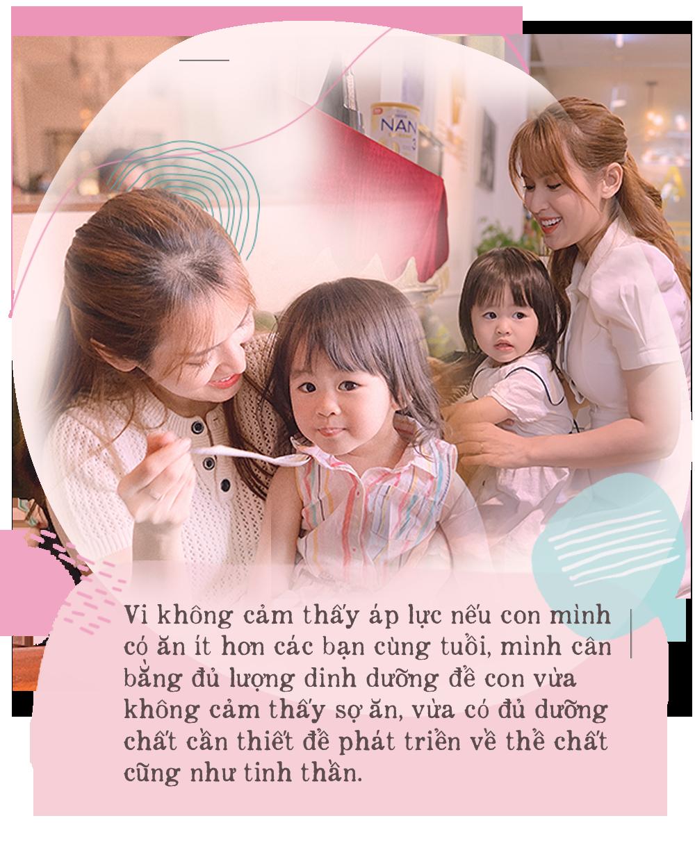 """Vợ chồng cùng là diễn viên, hot mom Tú Vi hạnh phúc tiết lộ tiềm năng đặc biệt đúng chuẩn """"con nhà nòi"""" của công chúa nhỏ dù mới hơn 2 tuổi - Ảnh 4."""