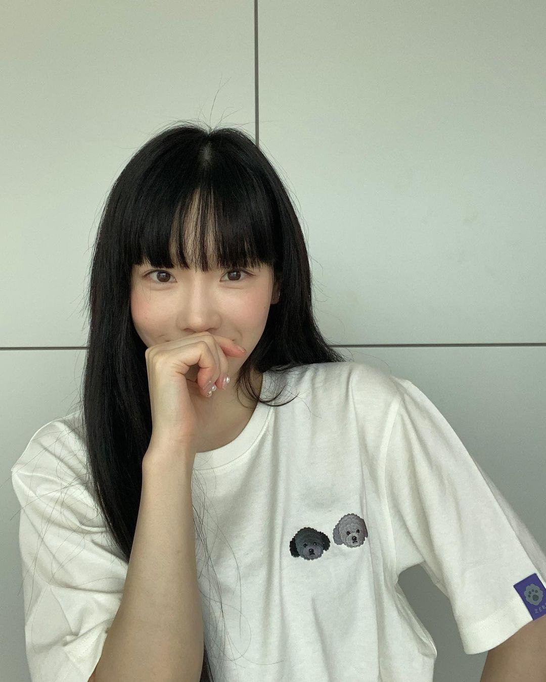 """Taeyeon và Hà Tăng """"khởi xướng"""" xu hướng tóc mái che mặt bánh bao, trán sân bay cực kỳ lợi hại"""