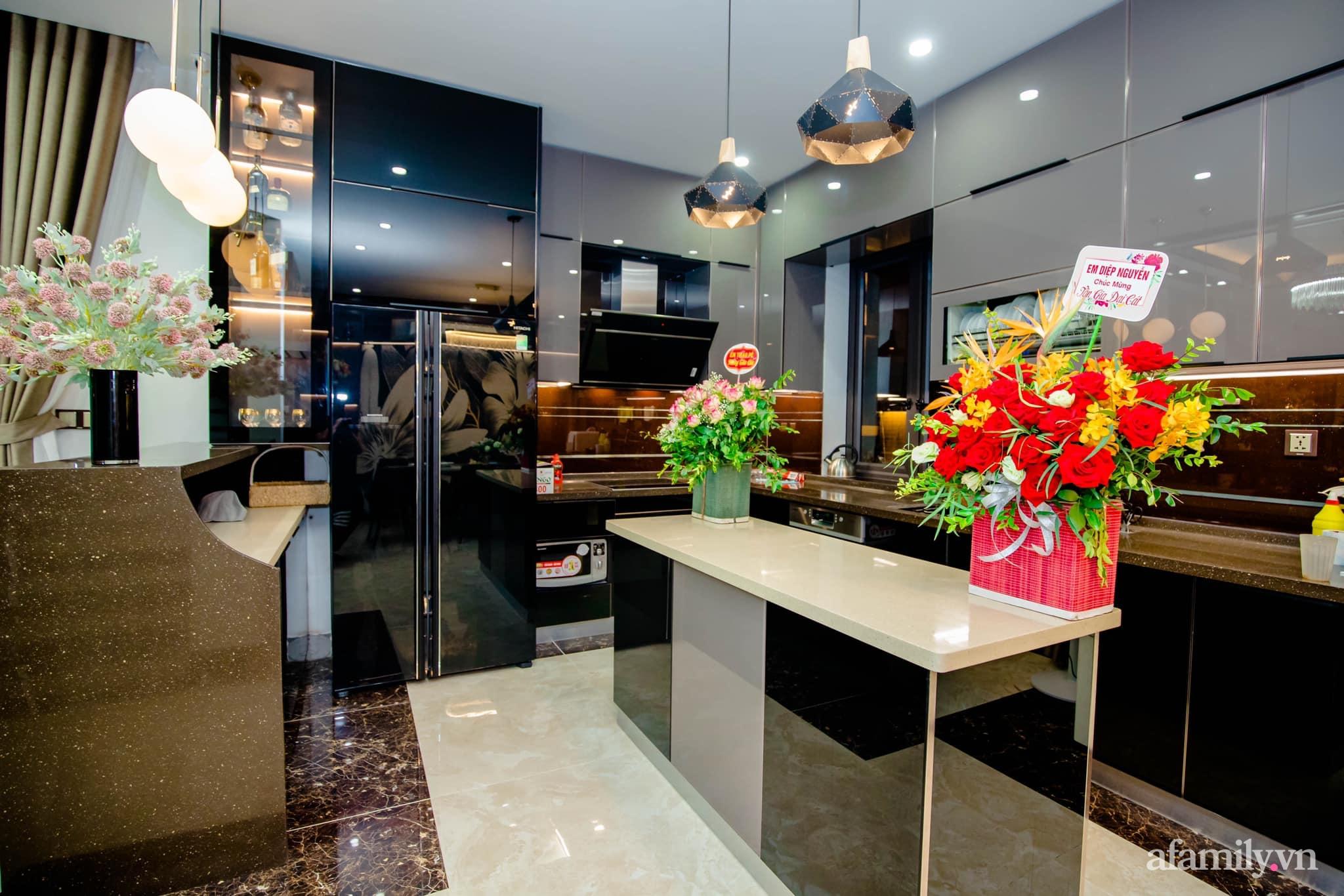 Bóc giá căn bếp đẹp chanh sả được đầu tư toàn đồ xịn sò với tổng chi phí gần 200 triệu đồng ở Hải Phòng - Ảnh 1.