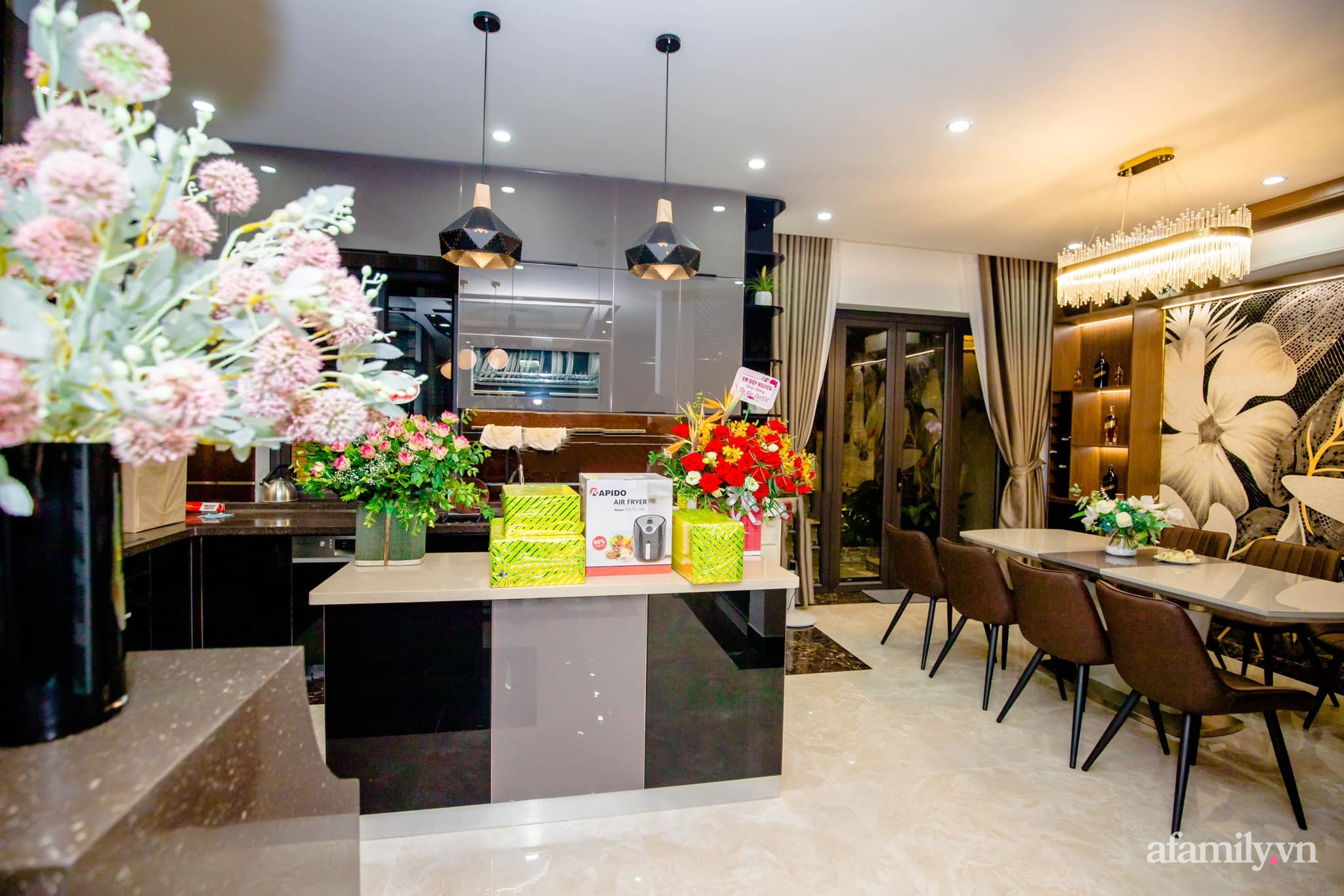 Bóc giá căn bếp đẹp chanh sả được đầu tư toàn đồ xịn sò với tổng chi phí gần 200 triệu đồng ở Hải Phòng - Ảnh 9.
