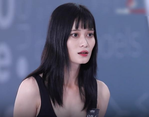 """Vietnam's Next Top Model: Gái xinh Bến Tre ngáo ngơ đi thi người mẫu, Nam Trung thảng thốt """"đĩa bay của em ở đâu?"""" - Ảnh 3."""