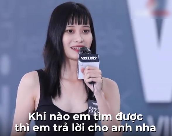 """Vietnam's Next Top Model: Gái xinh Bến Tre ngáo ngơ đi thi người mẫu, Nam Trung thảng thốt """"đĩa bay của em ở đâu?"""" - Ảnh 7."""