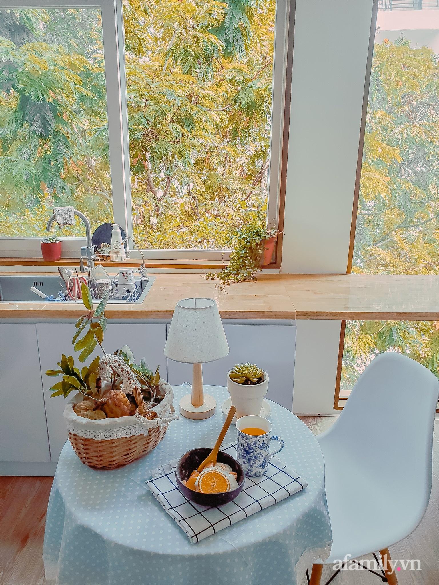 """Căn bếp """"lạ đời"""" trên tầng 4 trong căn nhà phố Sài Gòn luôn thơm nức mùi bơ bánh - Ảnh 12."""