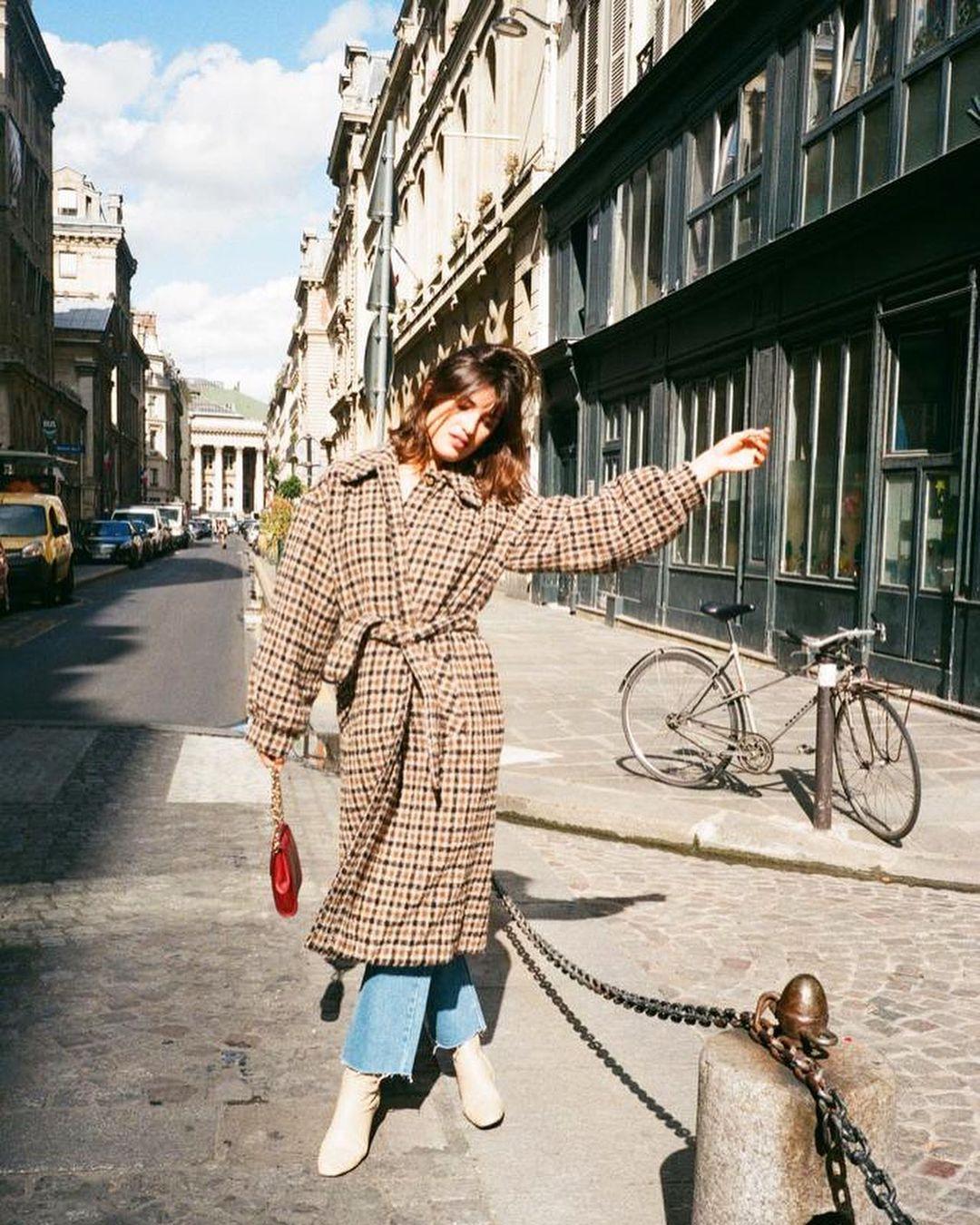 """Nghe gái Paris nói về phong cách Pháp: """"Chúng tôi - Ảnh 5."""