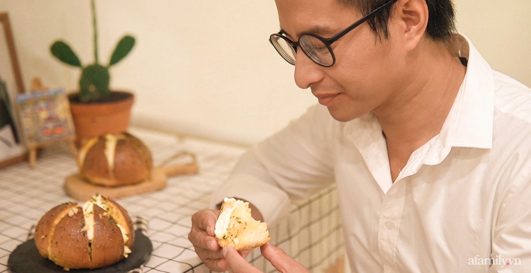 """Căn bếp """"lạ đời"""" trên tầng 4 trong căn nhà phố Sài Gòn luôn thơm nức mùi bơ bánh - Ảnh 16."""