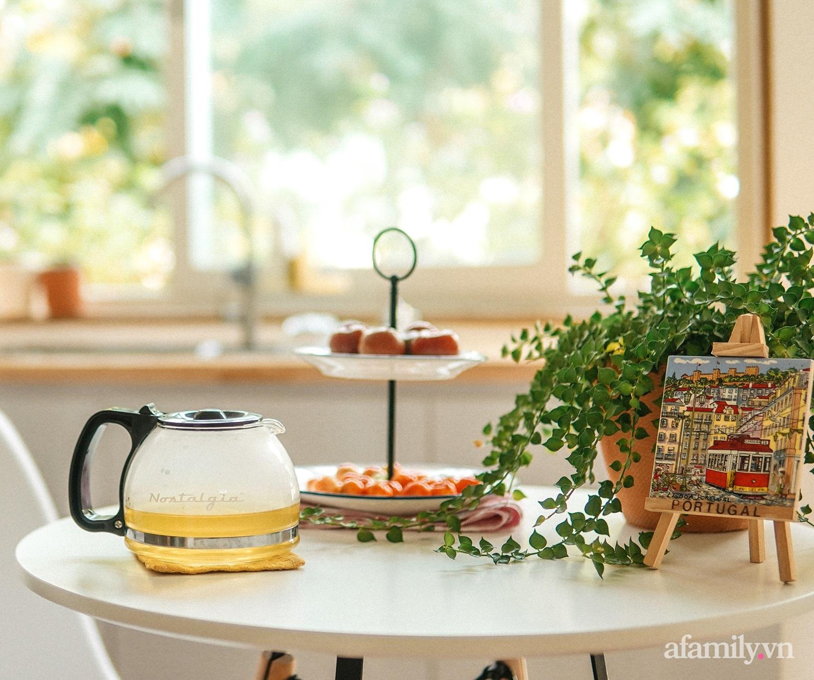 """Căn bếp """"lạ đời"""" trên tầng 4 trong căn nhà phố Sài Gòn luôn thơm nức mùi bơ bánh - Ảnh 13."""