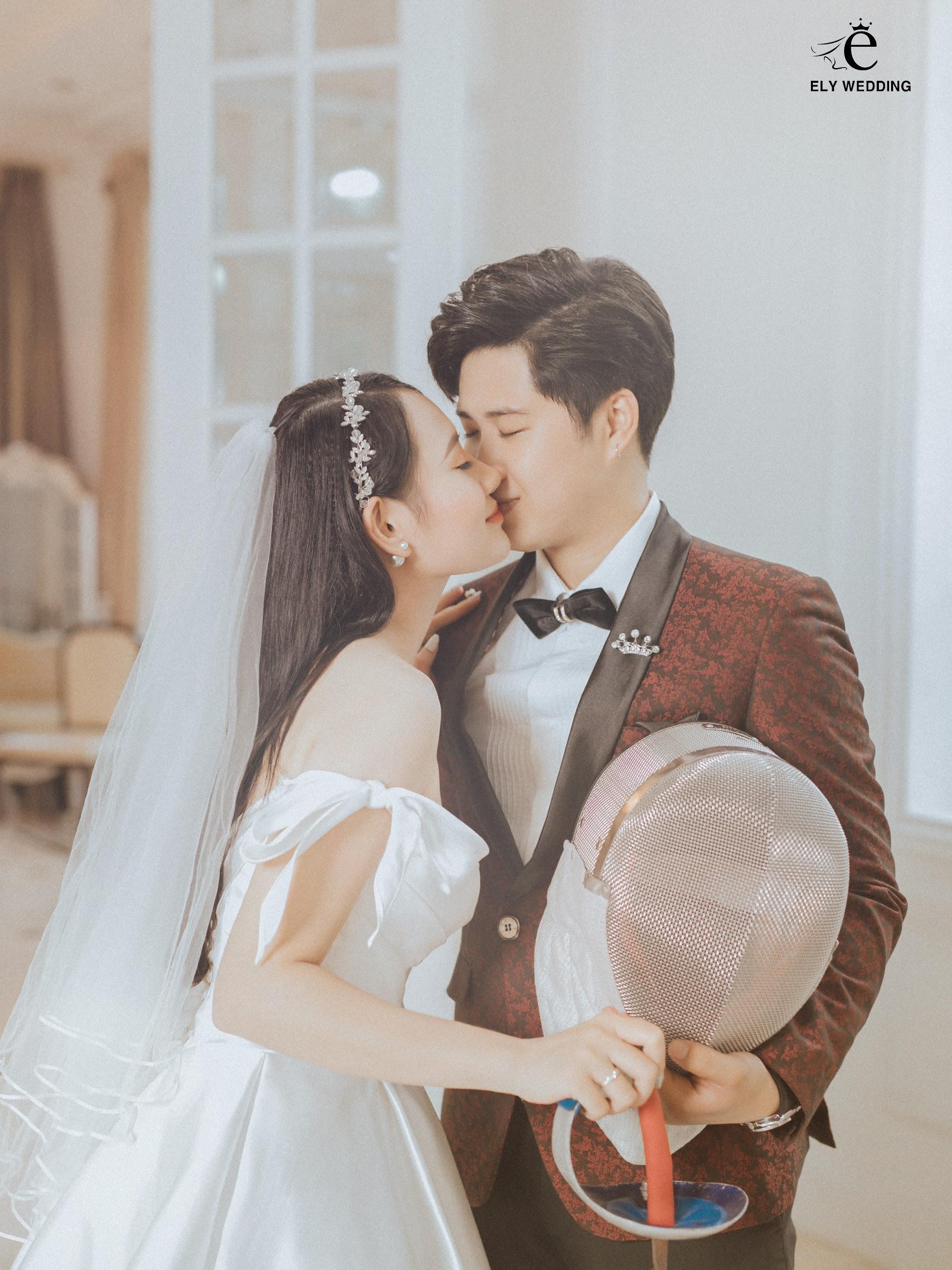 Bộ ảnh cưới siêu hot của Kiếm thủ Lê Minh Hằng - Em gái quốc dân làng thể thao Việt Nam - Ảnh 2.