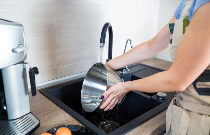 Bí quyết giúp nhà gọn gàng, sạch sẽ chỉ trong vài phút khi khách đến chơi đột xuất - Ảnh 5.