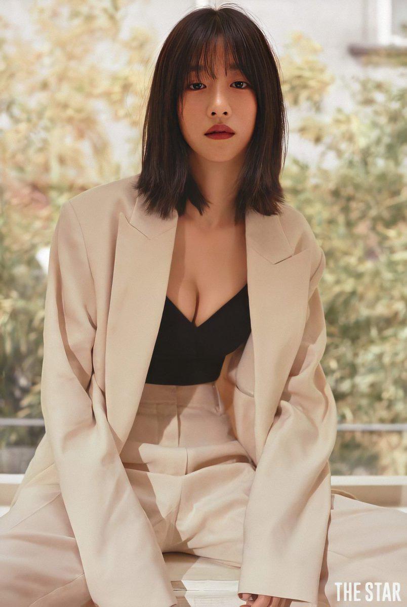 Nghẹt thở vì vòng 1 căng tràn của Seo Ye Ji: Diện đồ hở sexy bức thở, mặc đồ kín vẫn nóng bỏng bức người - Ảnh 7.