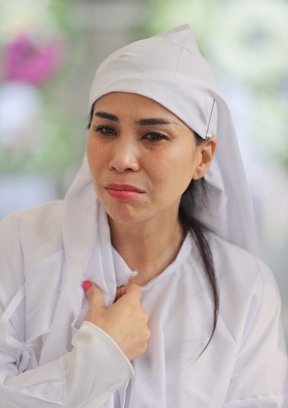 Diễn viên Lý Hùng tiết lộ 2 tâm nguyện dang dở của NSND Lý Huỳnh, Việt Trinh cùng dàn sao Việt xót thương - Ảnh 3.