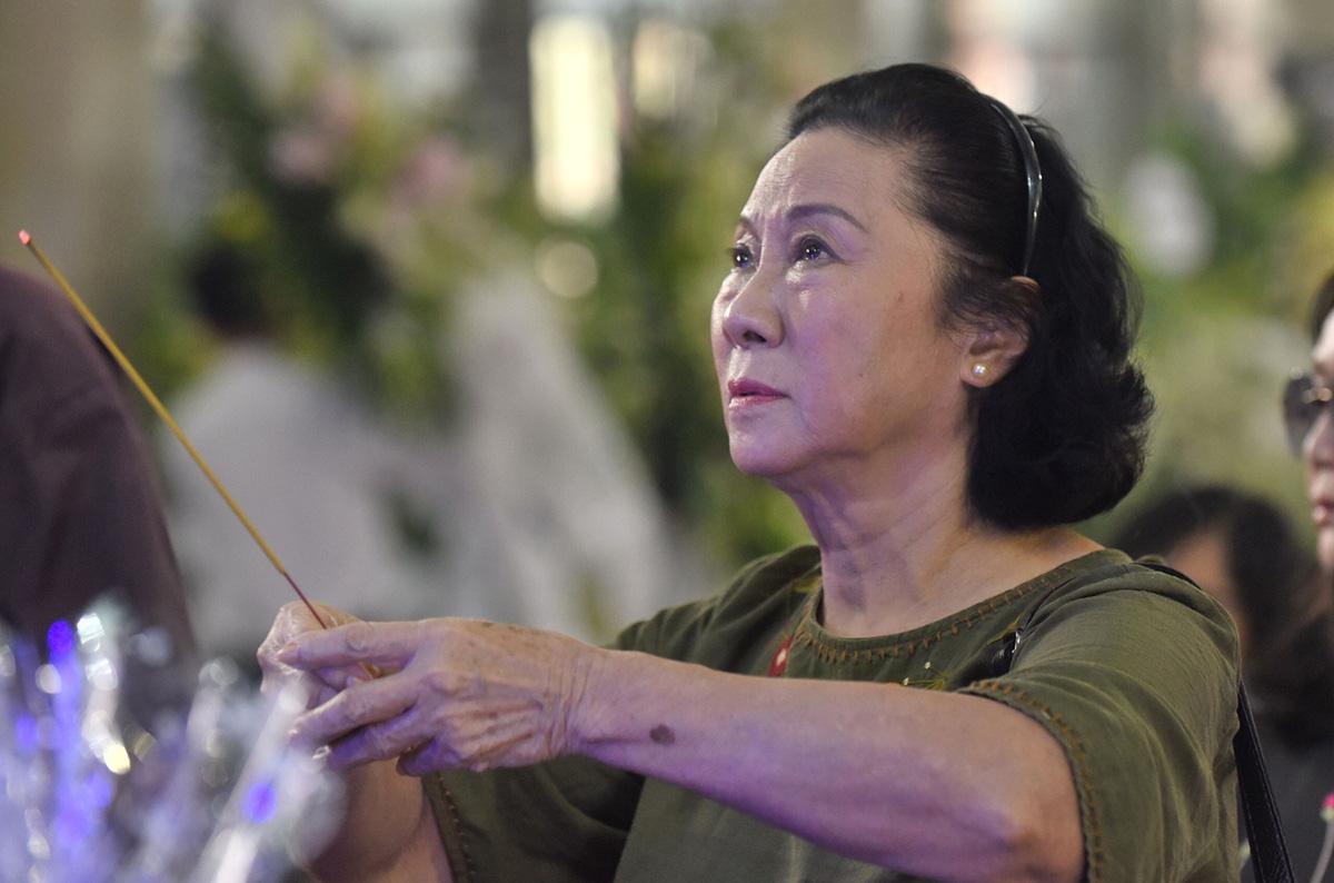 Diễn viên Lý Hùng tiết lộ 2 tâm nguyện dang dở của NSND Lý Huỳnh, Việt Trinh cùng dàn sao Việt xót thương - Ảnh 7.