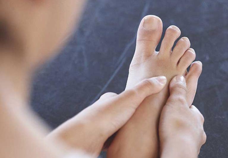 Bỗng dưng thấy bàn chân thay đổi theo 3 cách này, coi chừng bệnh ung thư đang phát triển trong cơ thể, cần lập tức đi khám - Ảnh 2.