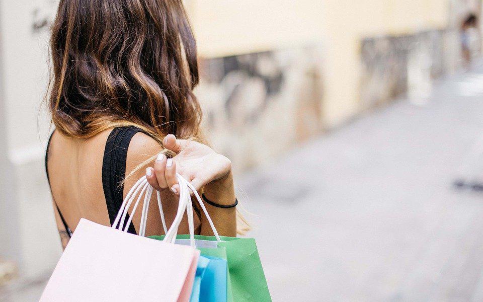 10 dấu hiệu cho thấy bạn chi tiêu quá nhiều và cách khắc phục