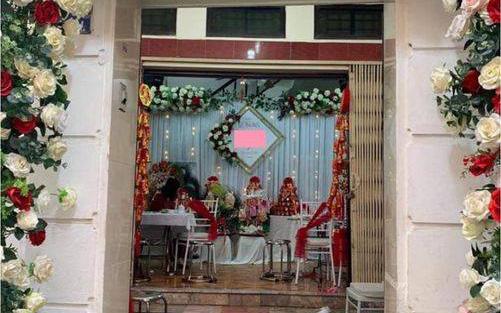 """Cô dâu đăng status mời cưới trên Facebook nhưng chỉ có 3 người đến dự, dân mạng tranh cãi kịch liệt và tuyệt nhiên không ai bênh nàng """"tân nương"""""""