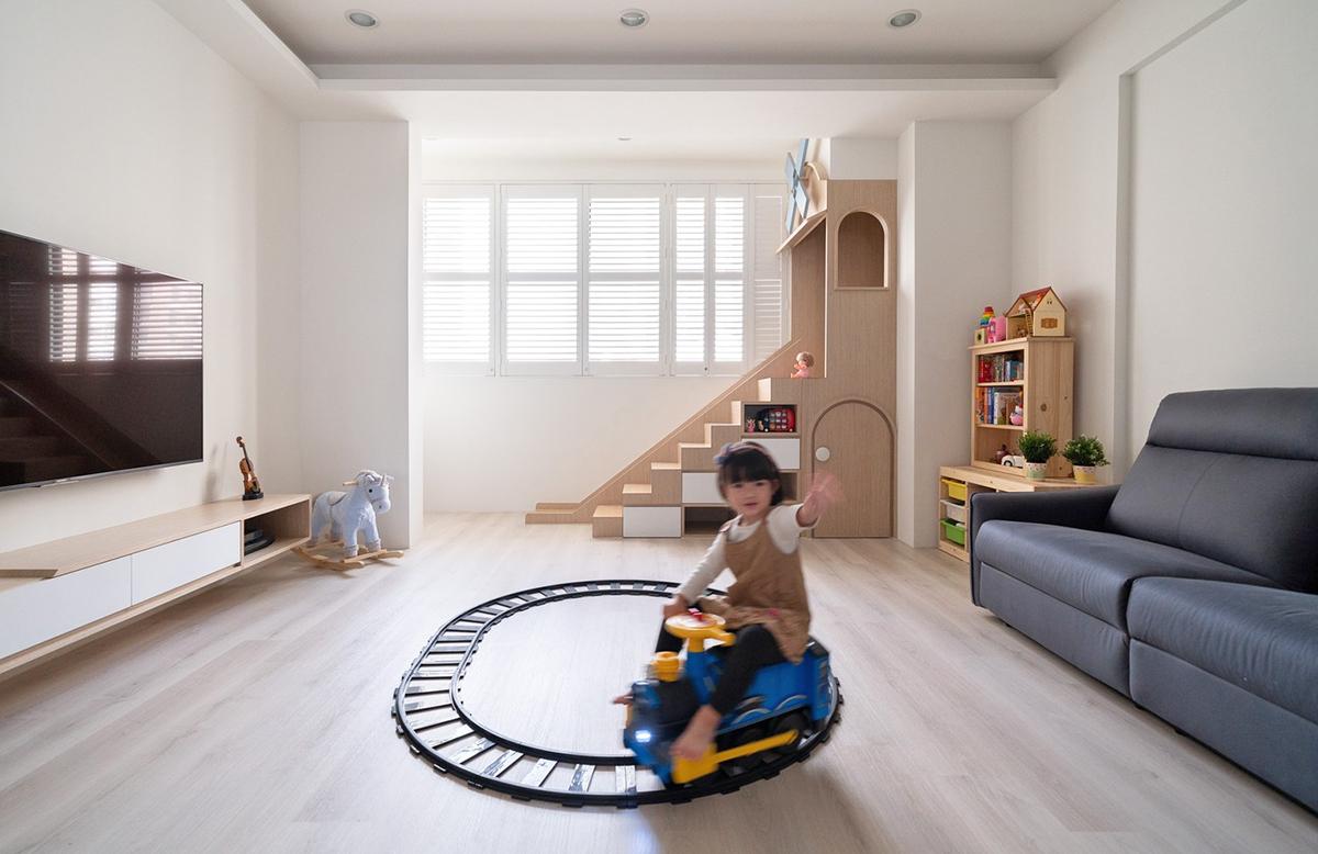 Ngôi nhà 30m² được cải tạo thành không gian hạnh phúc cho vợ chồng trẻ và con gái thỏa sức vui chơi - Ảnh 5.