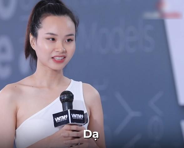 """Vietnam's Next Top Model: Gọi Mâu Thủy, Võ Hoàng Yến chia phe phái, Nam Trung bị phản bác """"anh đừng ỷ lớn mà muốn nói gì thì nói"""" - Ảnh 7."""