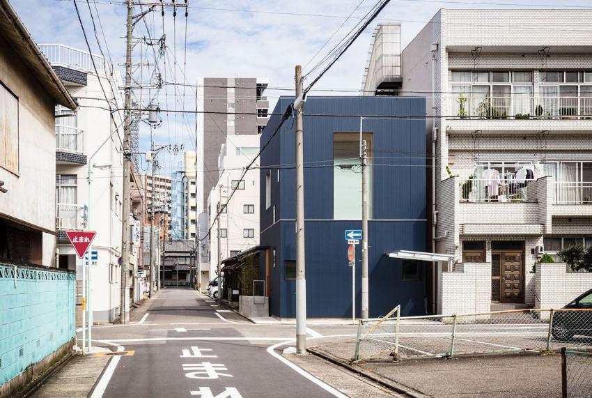 """Căn nhà phố nhỏ xinh ở Nhật Bản được mệnh danh là """"thiên đường của sự tối giản"""" - Ảnh 1."""