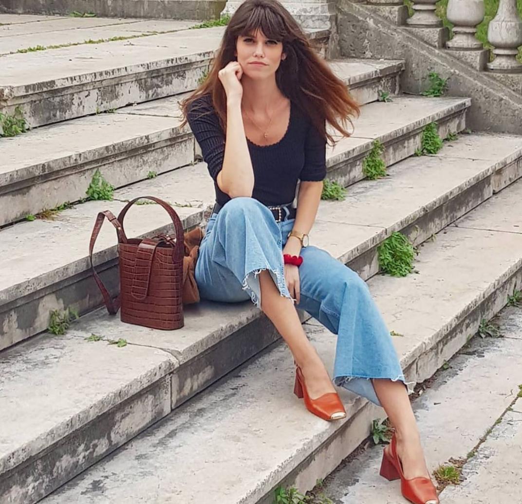 Áo blouse + quần jeans: Combo giúp nàng công sở trông sang như gái Pháp trong ngày Thu - Ảnh 10.