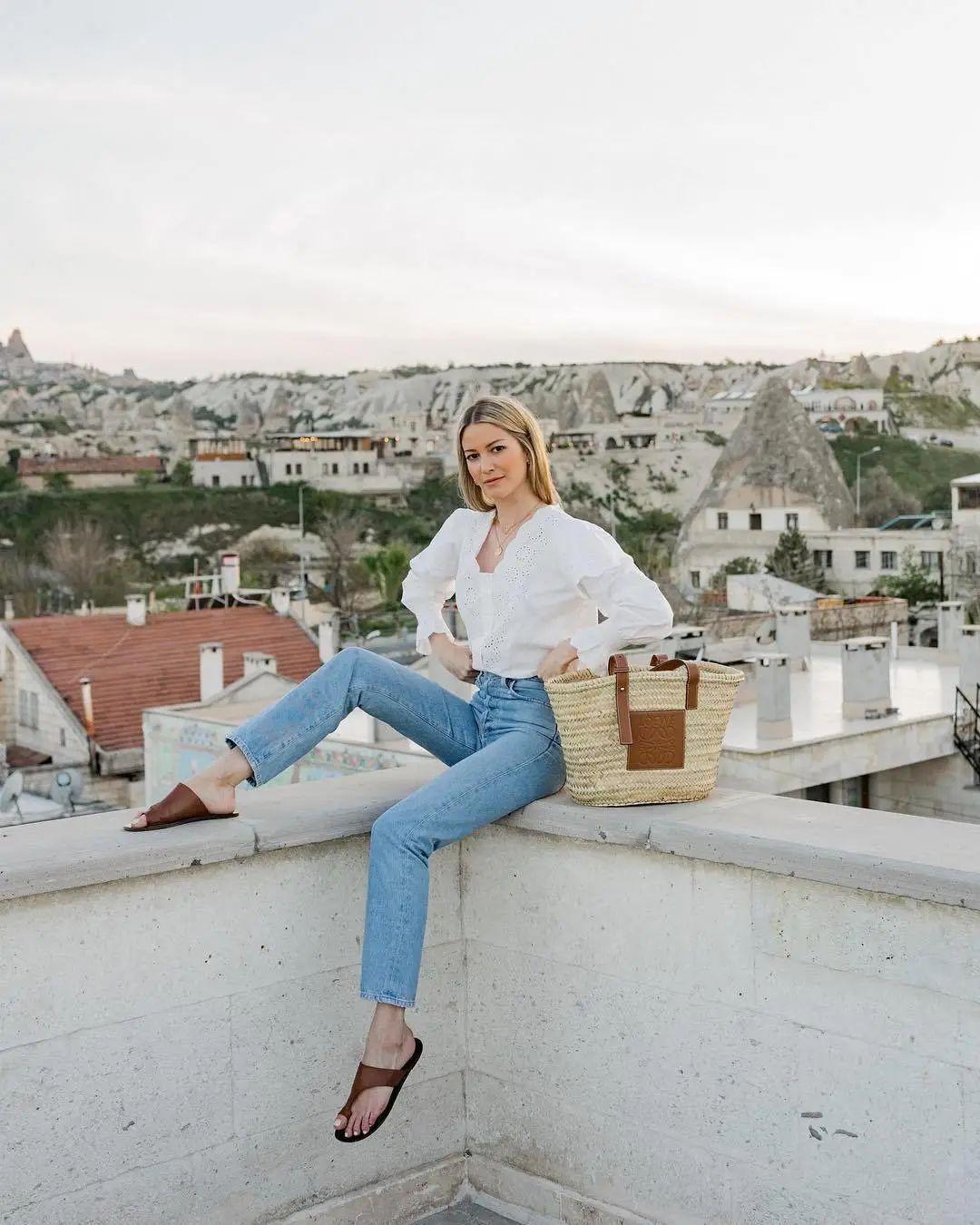 Áo blouse + quần jeans: Combo giúp nàng công sở trông sang như gái Pháp trong ngày Thu - Ảnh 16.