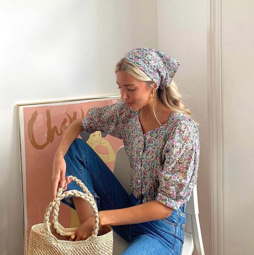 Áo blouse + quần jeans: Combo giúp nàng công sở trông sang như gái Pháp trong ngày Thu - Ảnh 3.