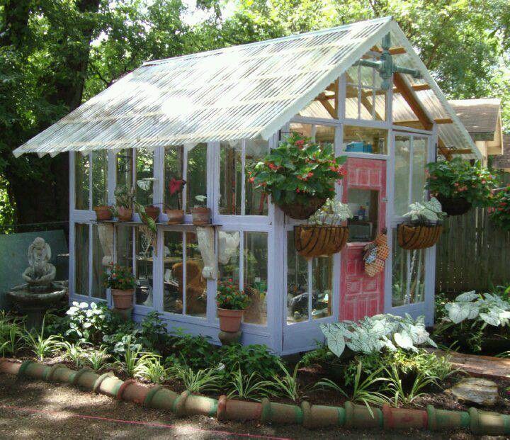 Ý tưởng dựng nhà kính trồng rau trong vườn, vừa có rau ăn vừa trang trí vườn đẹp như cổ tích - Ảnh 19.