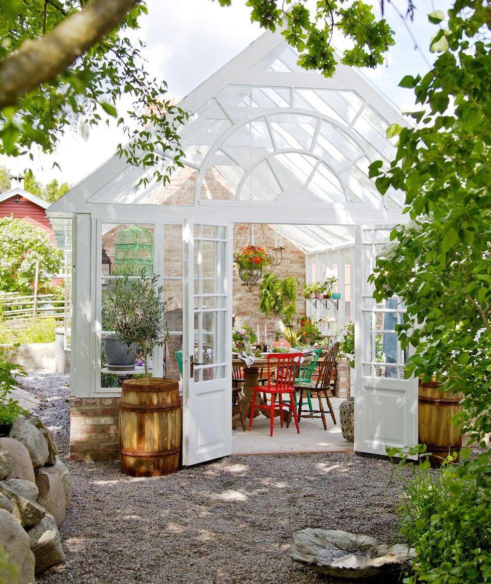 Ý tưởng dựng nhà kính trồng rau trong vườn, vừa có rau ăn vừa trang trí vườn đẹp như cổ tích - Ảnh 3.