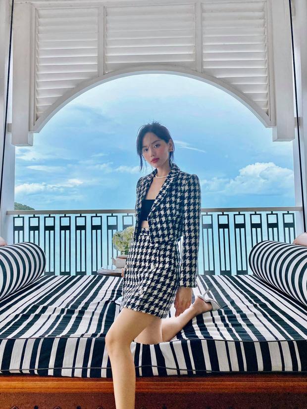 Học sao Việt sắm cả cây vải tweed thì đi đâu chị em cũng được khen xinh sang - Ảnh 2.