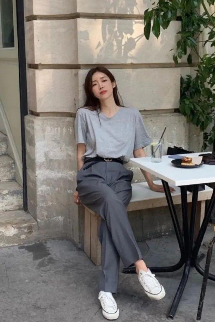 Đánh bật hết mọi kiểu quần, quần thuốc lá mới là item nàng công sở cần nhất vì vừa tôn dáng lại vừa sang chảnh - Ảnh 4.