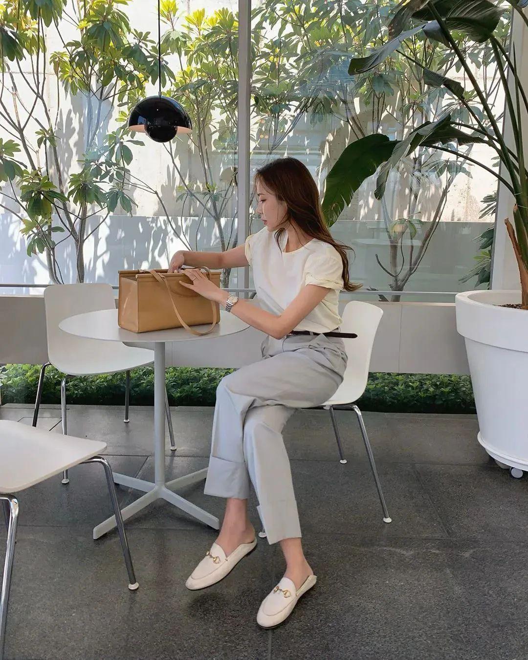 Đánh bật hết mọi kiểu quần, quần thuốc lá mới là item nàng công sở cần nhất vì vừa tôn dáng lại vừa sang chảnh - Ảnh 6.