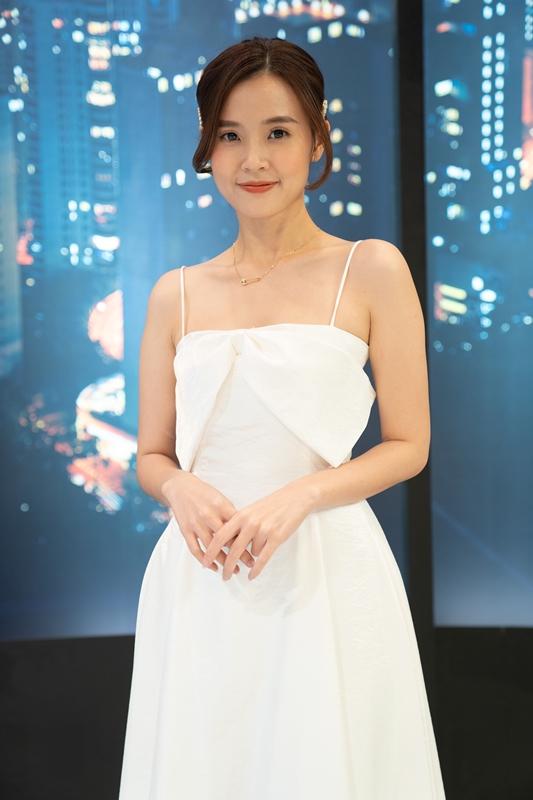 Lâm Khánh Chi đỏ mặt xấu hổ vì lỡ nói tên thật trên sóng truyền hình - Ảnh 3.