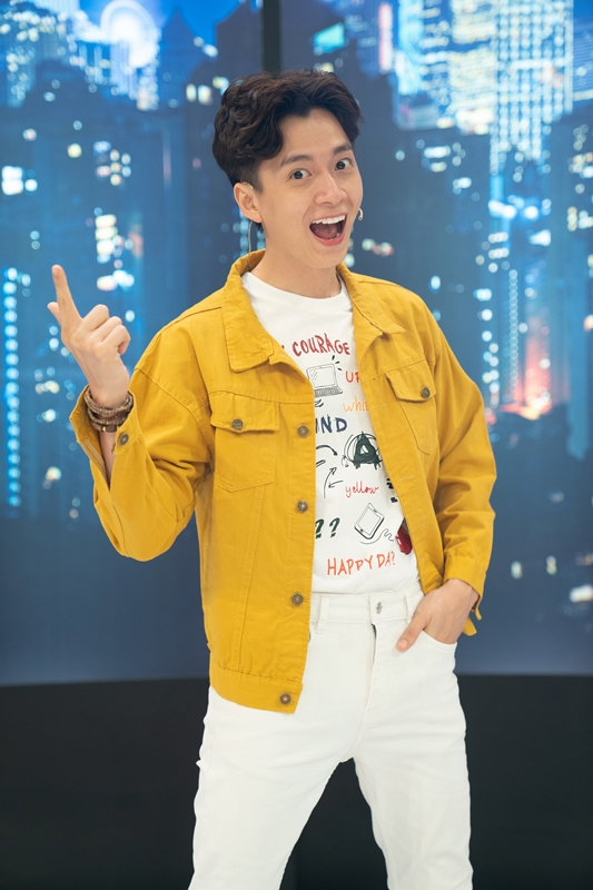 Lâm Khánh Chi đỏ mặt xấu hổ vì lỡ nói tên thật trên sóng truyền hình - Ảnh 4.