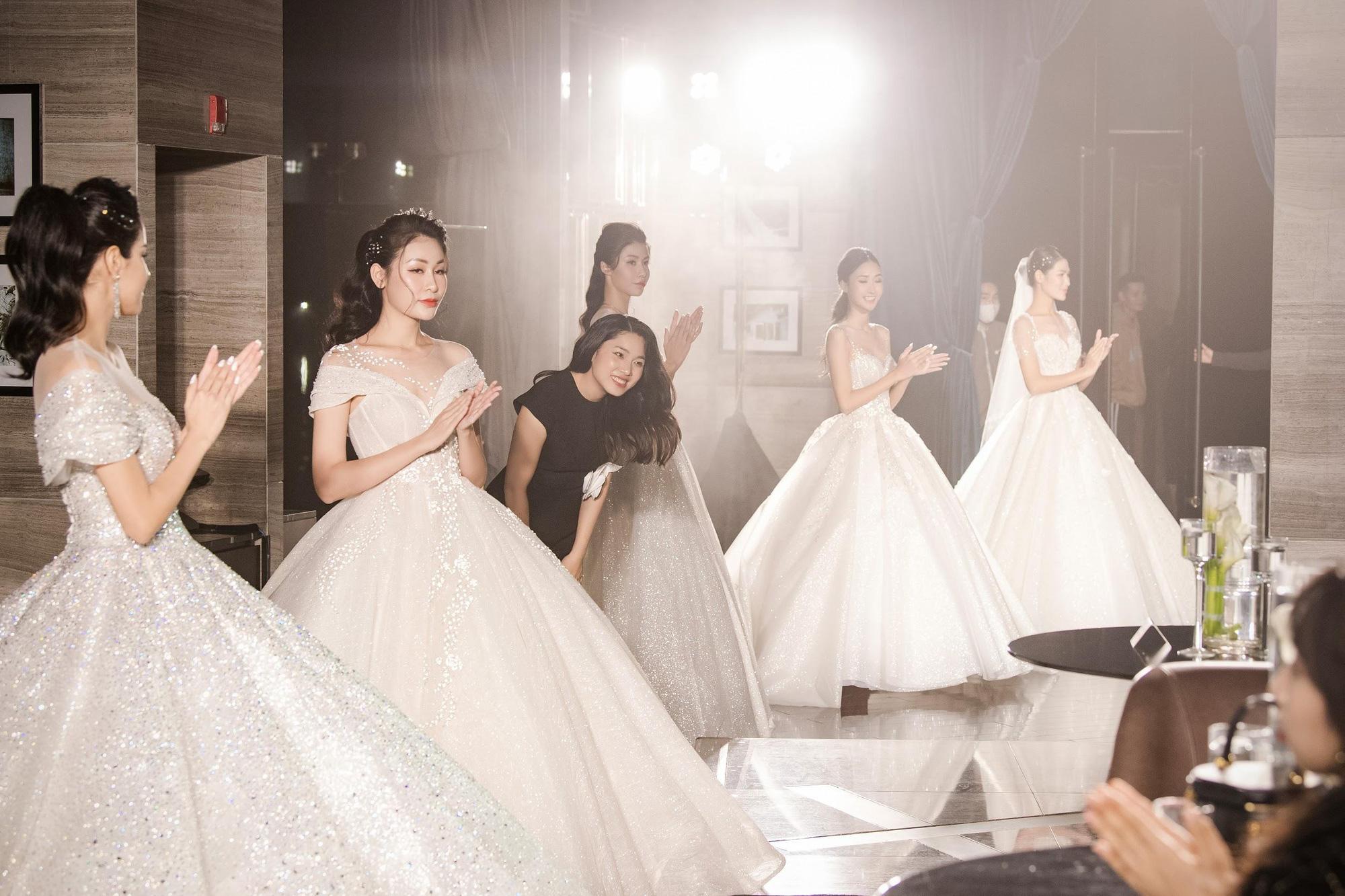 Lecia Bridal ra mắt dòng váy Luxury đính hàng trăm ngàn viên pha lê Swarovski - Ảnh 14.