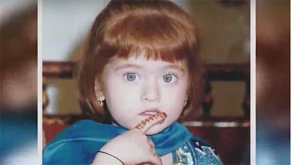 Sinh ra bị coi là quái vật vì ngoại hình khác thường, 20 năm sau ai cũng phải trầm trồ vì sắc đẹp của cô - Ảnh 3.