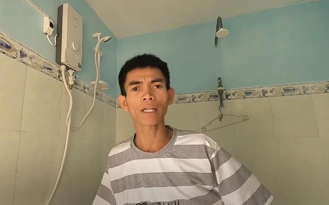 """Ytiet - chàng trai chăn bò người Việt được thế giới quan tâm, khoe """"phòng tắm, nhà vệ sinh"""" mới xây sau khi nổi tiếng và kiếm được tiền - Ảnh 5."""