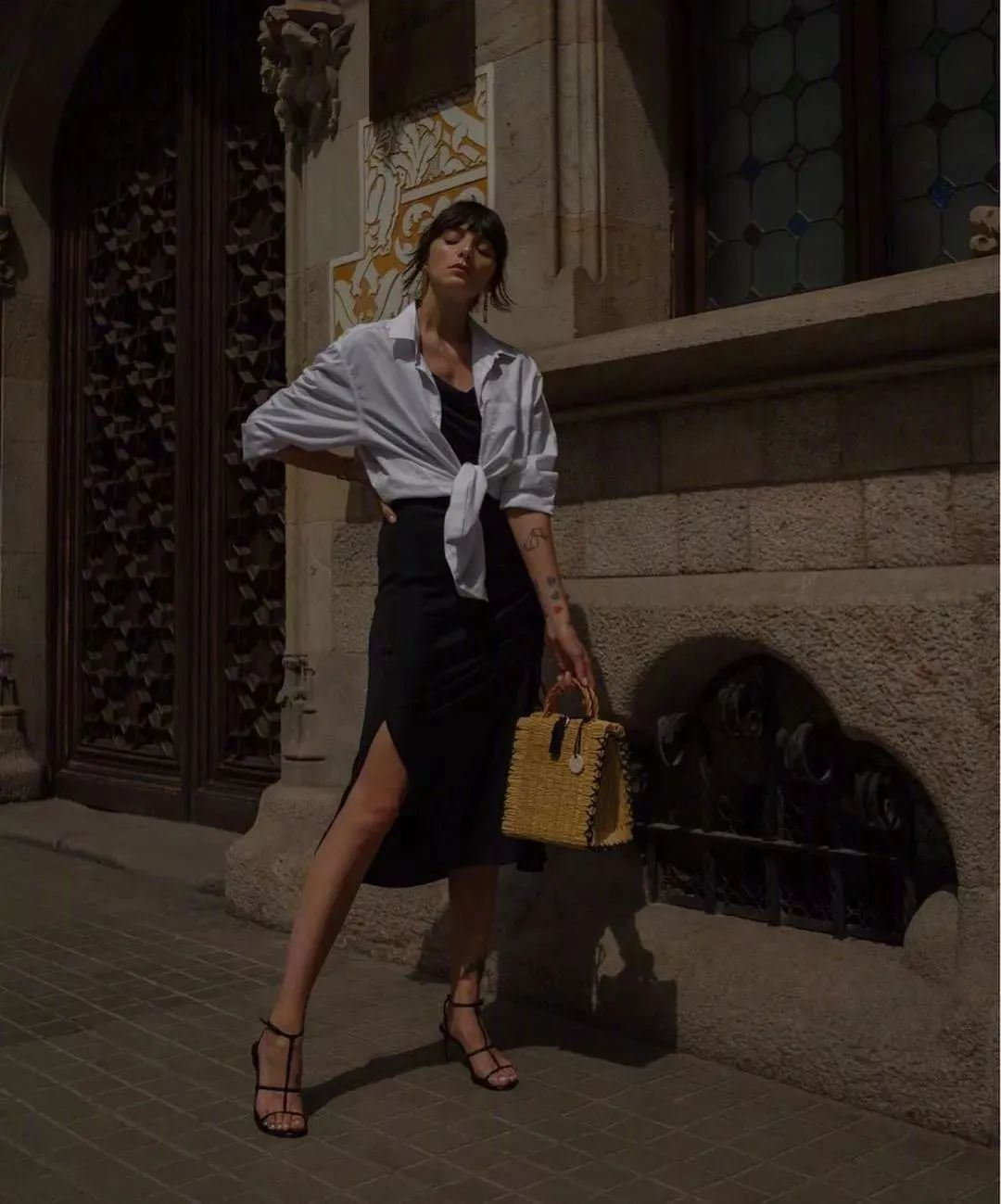 Sơ mi trắng – item kinh điển nhưng muốn mặc đẹp thì không phải nàng công sở nào cũng biết - Ảnh 11.