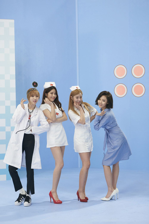 Jennie (BLACKPINK) gây tranh cãi vì tạo hình phản cảm, lộ đùi trắng nõn trong MV mới, netizen Hàn đang quá khắt khe? - Ảnh 6.
