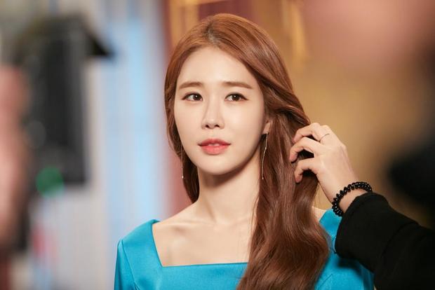 Phim Hàn tháng 10: Màn đổ bộ cực khủng của dàn sao đình đám Lee Dong Wook - Kim Bum, Lee Ji Ah - Eugene (S.E.S) khiêu chiến với nhau - Ảnh 16.