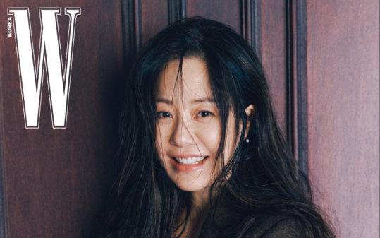 """""""Cô dâu bị đế chế Samsung ruồng bỏ"""" Go Hyun Jung gây sốt với loạt hình đẹp """"sương sương"""" dù sắp bước sang tuổi 50"""