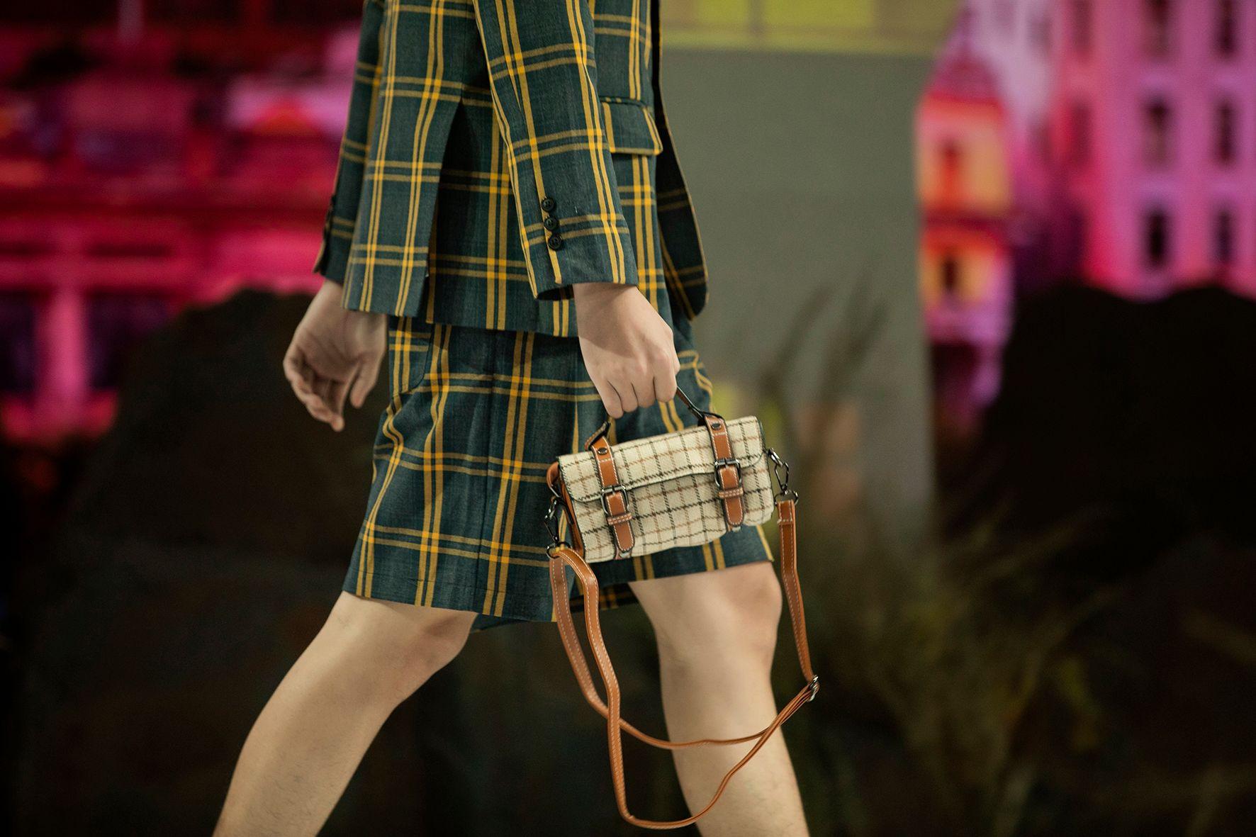 """HH Hương Giang tái xuất sàn catwalk với hình ảnh """"công chúa rừng xanh"""", kết màn cho Tuần lễ thời trang Trẻ em 2020 - Ảnh 7."""
