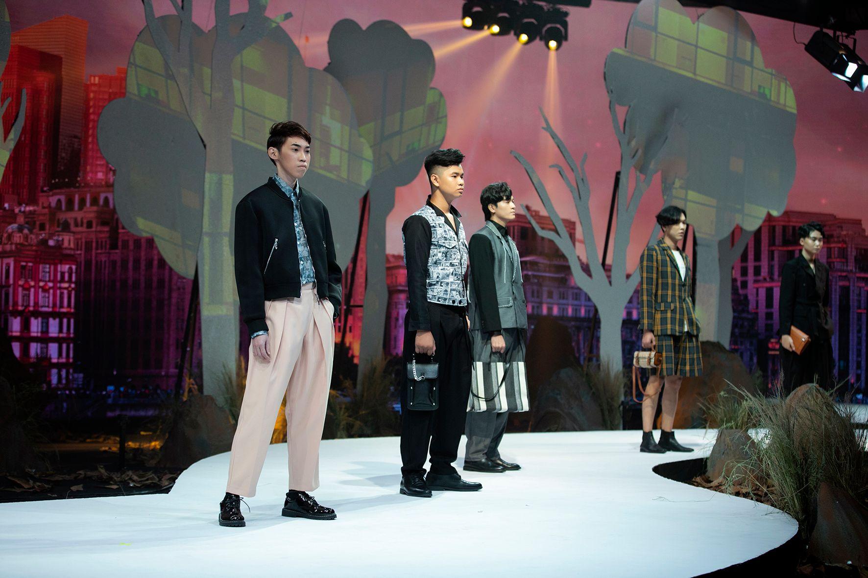 """HH Hương Giang tái xuất sàn catwalk với hình ảnh """"công chúa rừng xanh"""", kết màn cho Tuần lễ thời trang Trẻ em 2020 - Ảnh 6."""